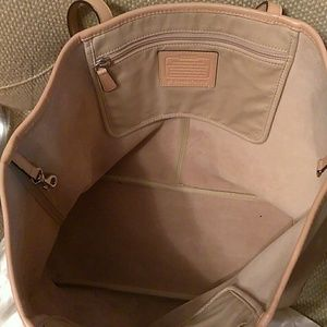 Handbags - Coach tote for trade